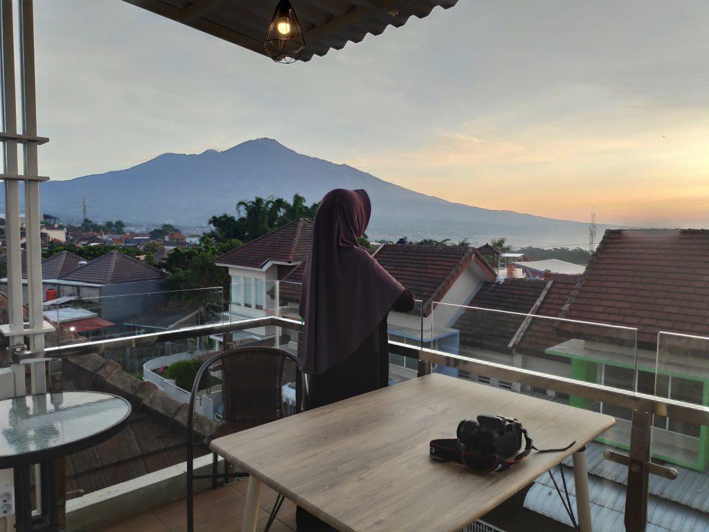 Pemandangan indah dari Befive Holiday Villa Batu